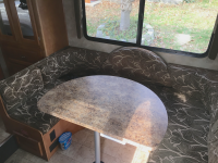 Best Lightweight Dinette Table Top Replacement For Your RV or Camper