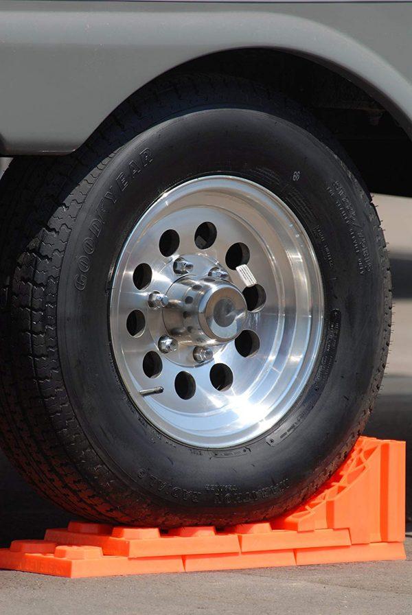 Wheel chocks 2