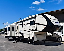2020 Forest River Cardinal 5th Wheel